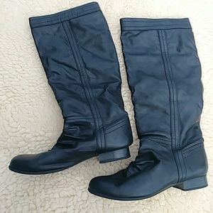Shoes - Black pull on boots
